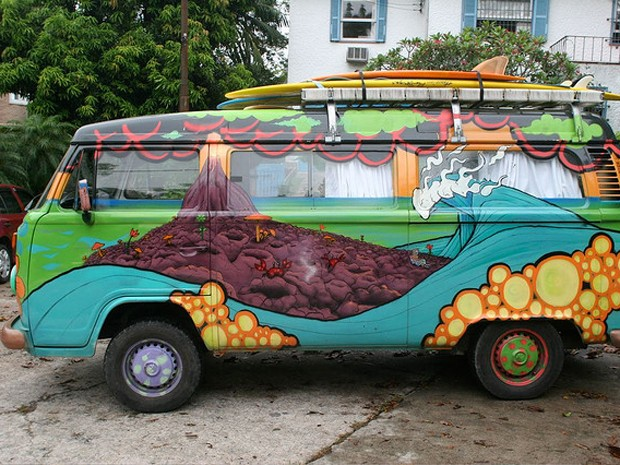 Kombi pintada pelo grafiteiro Sub. (Foto: Sub/ Arquivo pessoal)
