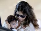 Grazi Massafera viaja com a filha, Sofia