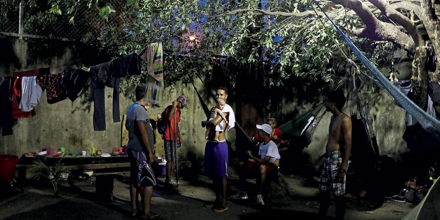 NACHO DOCE Fotógrafo espanhol a serviço da agência Reuters no Brasil Os venezuelanos em Boa Vista: a miséria no Brasil é o destino na fuga da miséria na Venezuela (Foto:  Nacho Doce/Reuters)