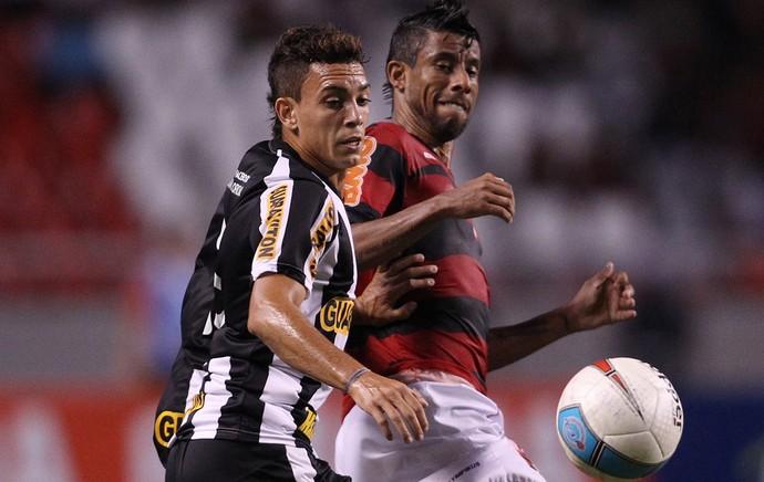 Caio Botafogo e Léo Moura Flamengo (Foto: Fernando Soutello / AGIF)