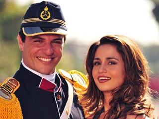 Théo e Morena, em Salve Jorge (Foto: Divulgação/TV Globo)