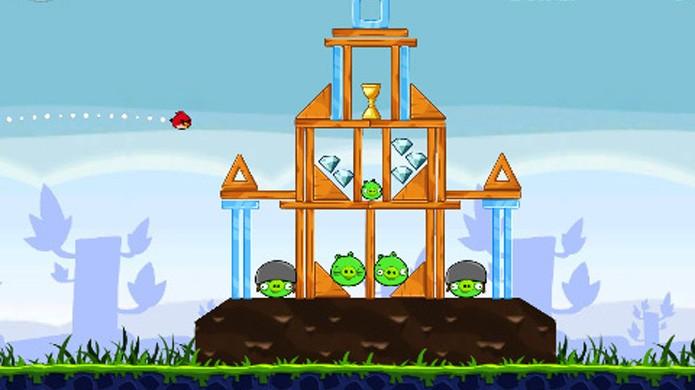 Angry Birds divertiu milhões de jogadores com sua simplicidade e carisma (Foto: Reprodução/Soft32)
