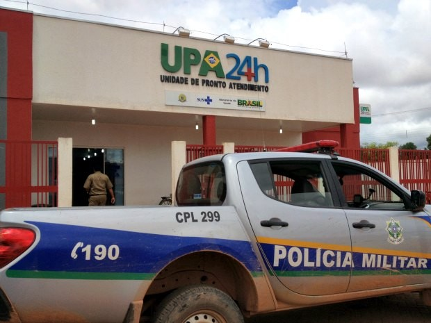 Polícia Militar foi chamada novamente para conter a violência na UPA, neste domingo (Foto: Ivanete Damasceno/G1)