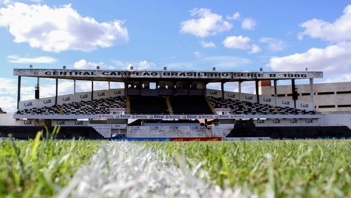 Estádio Luiz Lacerda Lacerdão (Foto: Marlon Costa / Pernambuco Press)