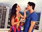 Kamilla e Elieser se lambuzam de chocolate para relembrar o primeiro beijo, durante o 'BBB13'