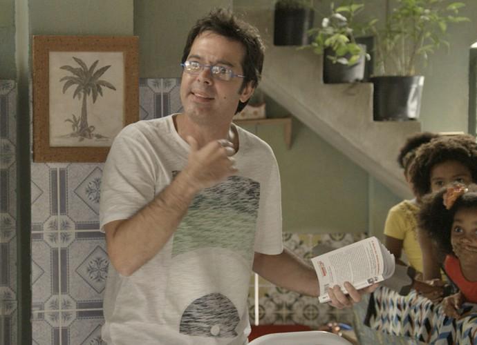 Rui fica chocado após tapa de Indira (Foto: TV Globo)