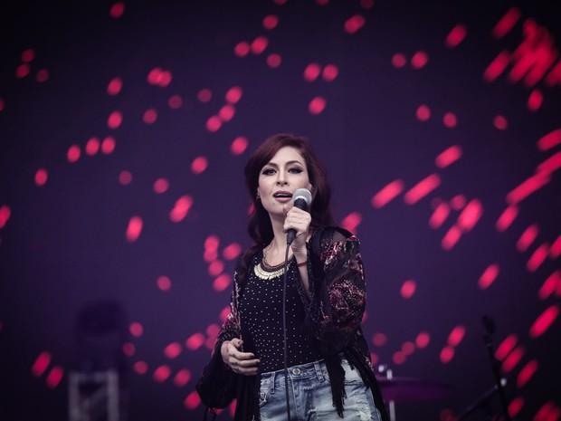 A cantora Pitty se apresenta no palco Axe no fim de tarde de domingo (29) (Foto: Caio Kenji/G1)