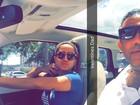 Anitta posa em carrão ao lado do pai e brinca: 'Valentine's Dad'
