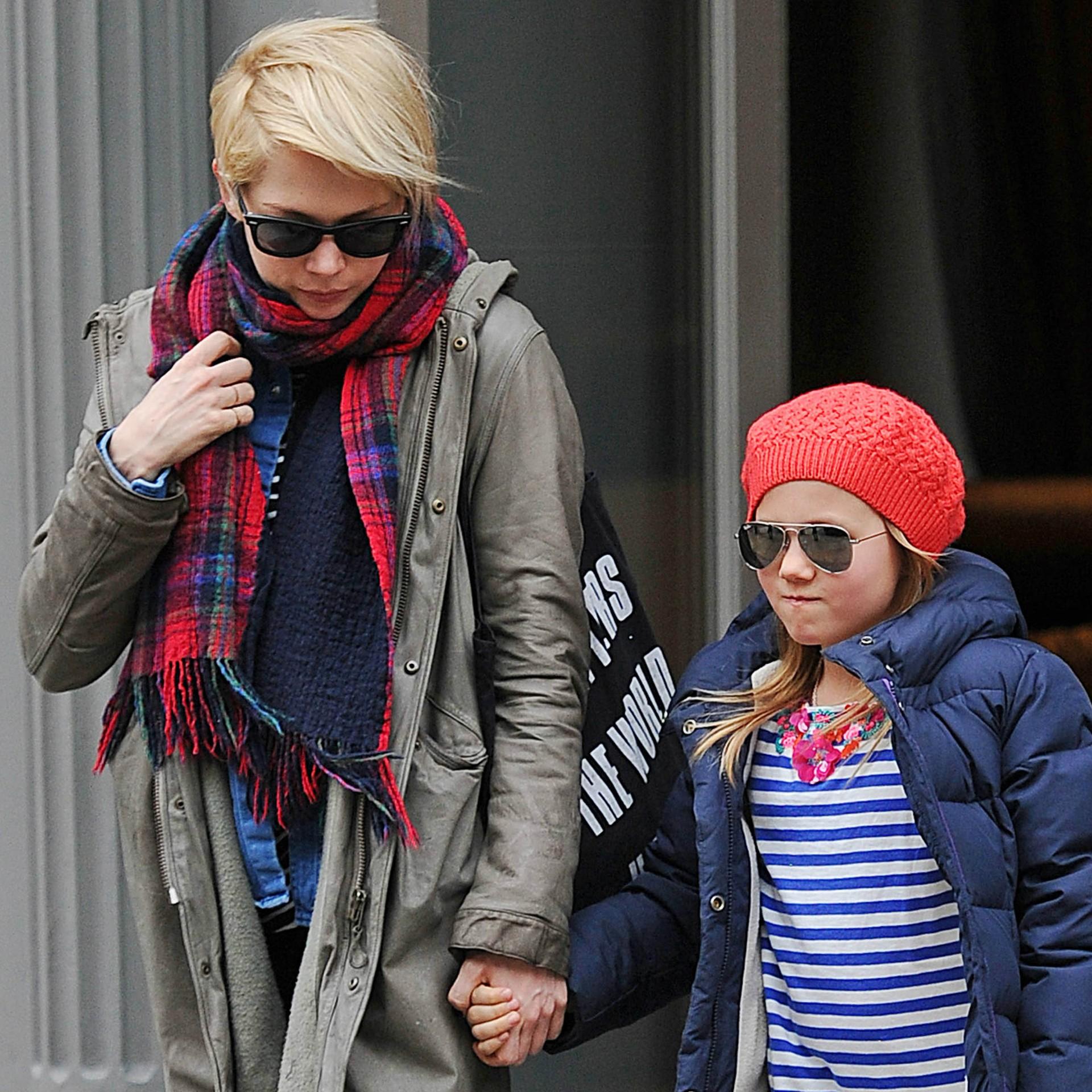 A atriz Michelle Williams é quem cuida de Matilda, a filha que teve com o ator Heath Ledger (1979-2008). (Foto: Getty Images)