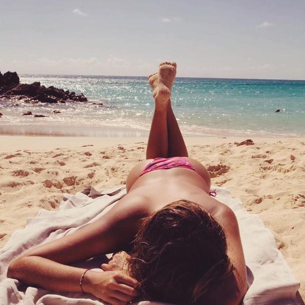 Sasha Meneghel faz topless em dia lindo (!) de praia (Foto: Reprodução Instagram)