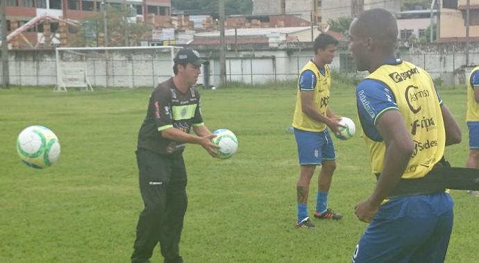 Luís Augusto treino físico Tupi-MG (Foto: Bruno Ribeiro)