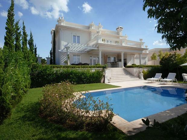 São casas de 215 m² a 500 m² de área construída com conforto e qualidade (Foto: Divulgação)