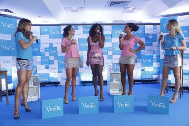 Sabrina Sato, Carla Prata, Cris Vianna, Juliana Alves e Fiorella Mattheis em evento no Rio (Foto: Roberto Filho e Alex Palarea / AgNews)