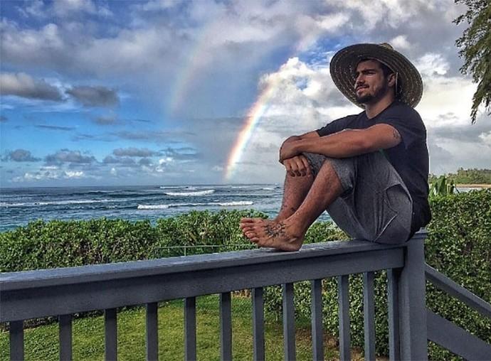 Caio Castro também fala de viagens  (Foto: Divulgação)
