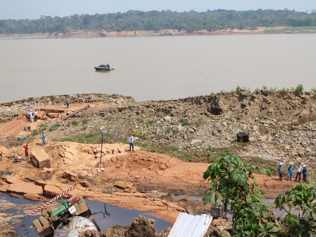 Novo deslizamento de terra no Rio Madeira (Foto: Hosana Morais/G1)