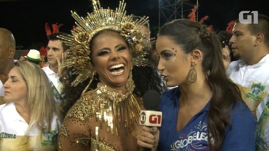 Viviane Araújo usa peruca e brilha na Mancha Verde: 'Meu marido disse que eu estava bem pelada'