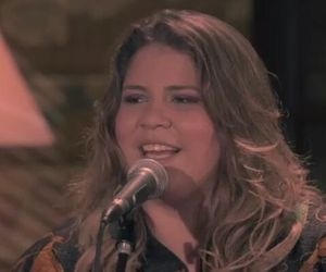 Marília Mendonça lança clipe de versão acústica de 'Saudade do Meu Ex'; veja aqui