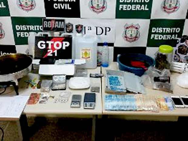 Material apreendido no laboratório de transformação de drogas no DF (Foto: Polícia Militar/Divulgação)