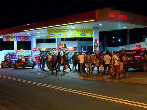 Policial foi morto em posto de combustíveis (Foto: Reprodução/TV Amazonas)