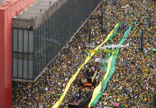 Avenida Paulista tomada por manifestantes (Foto: Rogerio CAssimiro/ Epoca)