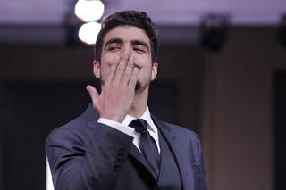Caio Castro manda beijos (Foto: Johnson Parraguez/Photorionews)