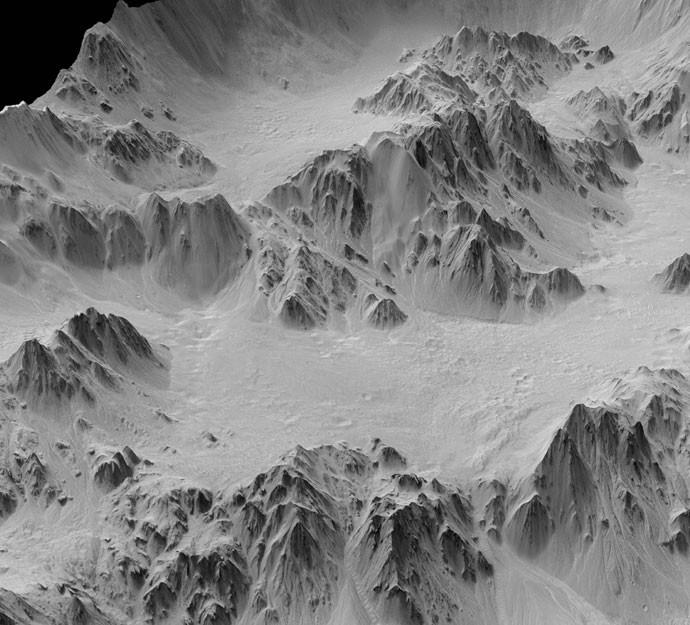 Combinação de duas fotos, esta imagem mostra a cratera de Mojave, que tem 60 quilômetros de diâmetro (Foto: Nasa)