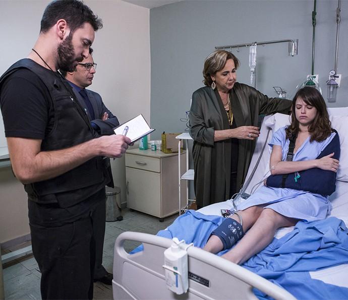 Camila só se lembra do viveu antes do primeiro acidente (Foto: Ellen Soares/Gshow)
