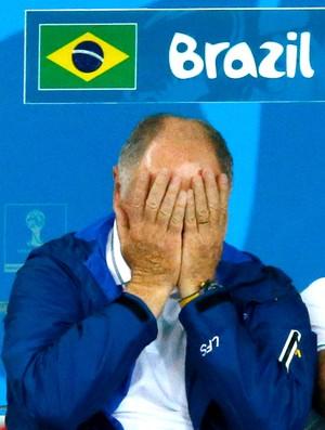 Felipão lamentando jogo Brasil x Alemanha