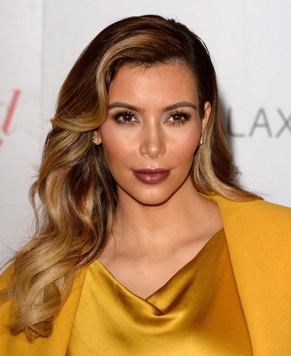 Em 2013, Kim passou a usar mechas no estilo ombré e um corte mais curto (Foto: Getty Images)