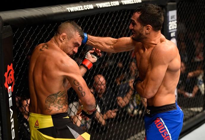 Vitor Belfort perde para Mousasi (Foto: Getty Images)