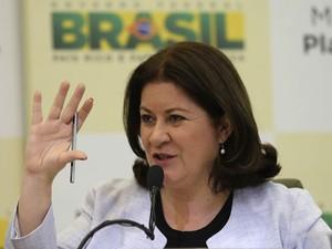Ministra do Planejamento, Miriam Belchior, durante coletiva de imprensa em Brasília (Foto: Reuters/Fabio Rodrigues-Pozzebom)