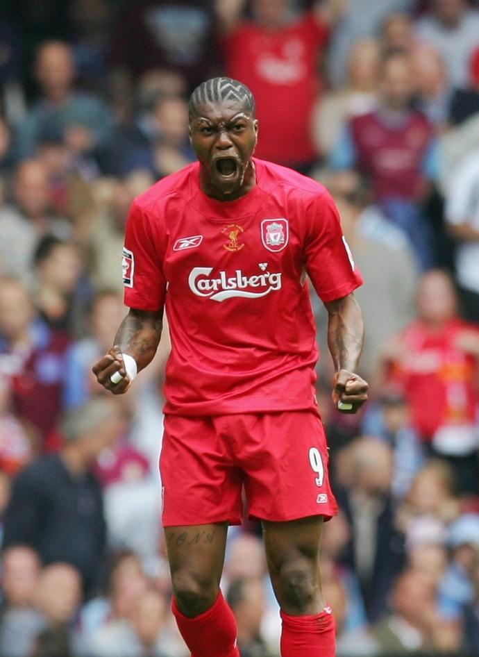 BLOG: Liverpool publica vídeo em homenagem a Cissé, que anunciou aposentadoria