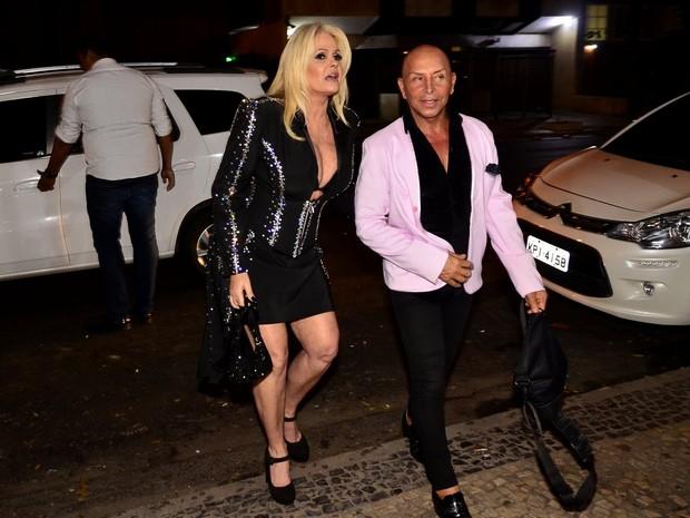 Monique Evans chegando em sua festa (Foto: Roberto Teixeira/EGO)