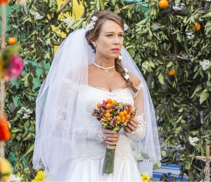 Tancinha vê Apolo com outra mulher em vídeo exibido no seu casamento (Foto: Felipe Monteiro/Gshow)