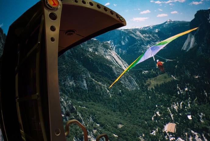 Sobrevoe cenários da Califórnia como se estivesse em uma asa delta (Foto: Divulgação)