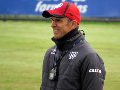 Técnico Milton Mendes do Atlético-PR (Foto: Fernando Freire)