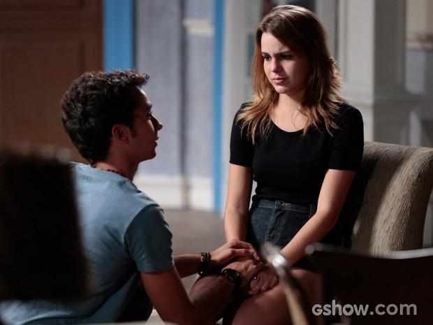 Anita exige que Ben se acerte com Sofia (Foto: Felipe Monteiro / TV Globo)