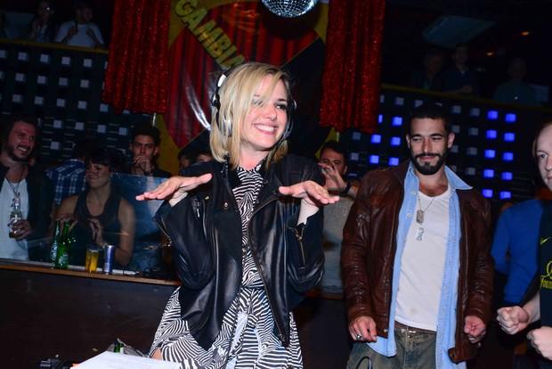 Natallia Rodrigues comemorando aniversário em festa (Foto: Leo Franco / AgNews)