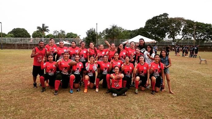 Time feminino do Campo Grande Cobras, campeão do Morena Bowl 2015 (Foto: Divulgação/CG Cobras)