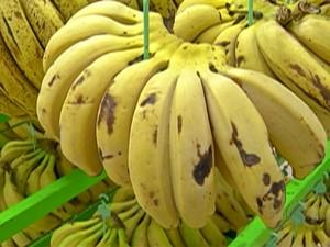 Preço da banana sobe 27%, segundo levantamento do IBGE (Foto: Reprodução/ TV Diário)
