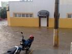 Chuva provoca alagamentos no Centro e em bairro de Itajubá, MG