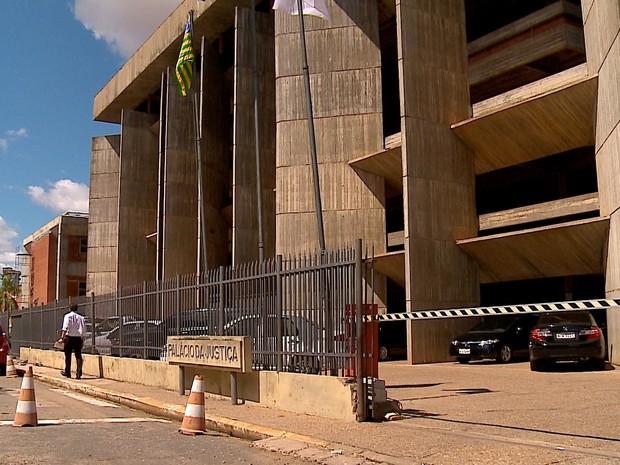 TJ-PI concedeu coletiva sobre o trabalho da Justiça na Vara Agrária (Foto: Reprodução/TV Clube)