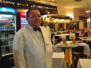 Café Lamas – A fachada lembra uma lanchonete, mas seu interior é amplo e aconchegante. Foi fundado em 1874, antes da sanção da Lei Áurea, no Largo do Machado. Cem anos depois foi transferido para o Flamengo. O cardápio variado atende a todos os clientes. (Foto: Alexandre Macieira / RioTur)