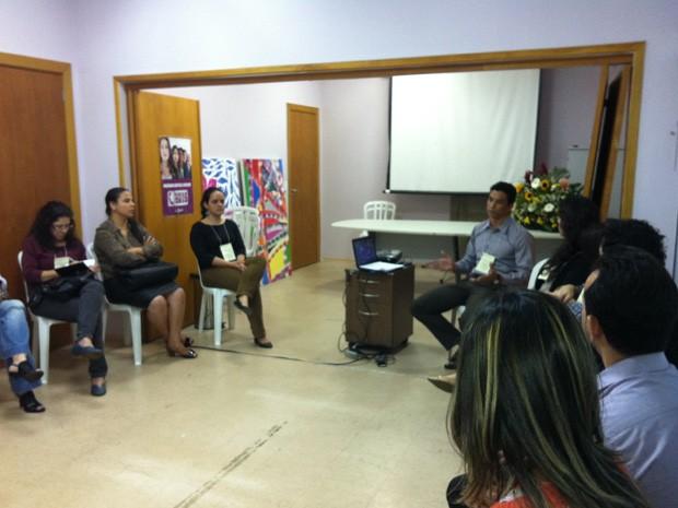 Técnicos da rede de enfrentamento a violência no DF debatem ações de combate ao crime (Foto: Grazielle Mendes/G1)