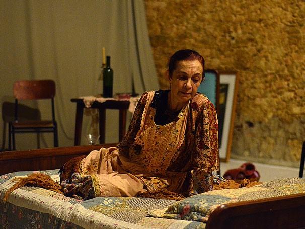 Regina Gutman vive Madame Francinet em adaptação de Julio Cortázar (Foto: Divulgação)