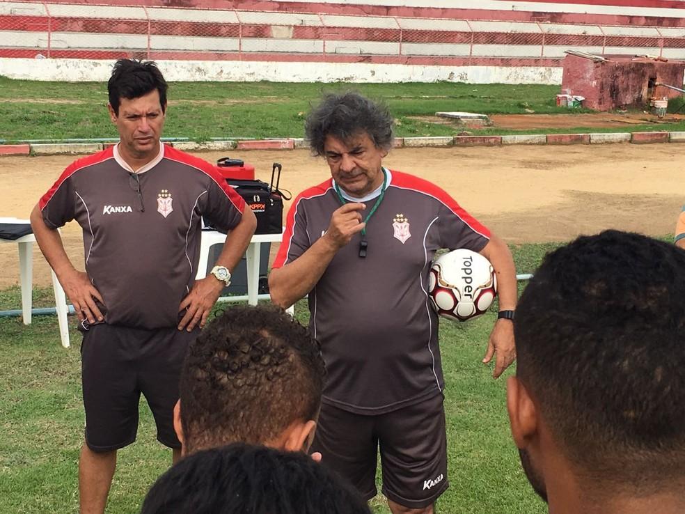 Ribeiro Neto elogia postura do Sergipe (Foto: Felipe Martins/CSS)