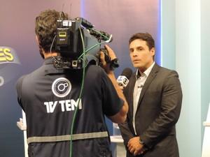 Juliano Ferreira, do Solidariedade, foi entrevistado pela TV TEM (Foto: Heloísa Casonato/G1)