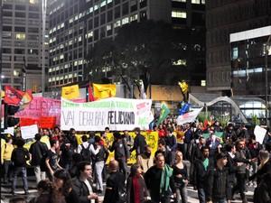 Grupos protestaram na Av. Paulista nesta quarta (26) (Foto: Cris Faga/Fox Press Photo/Estadão Conteúdo)