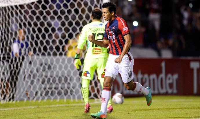 Julio dos Santos comemora, Cerro Porteño x O'Higgins (Foto: Reuters)
