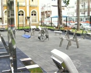 Academia ao ar livre em Barra Mansa (Foto: RJTV 1ª Edição)